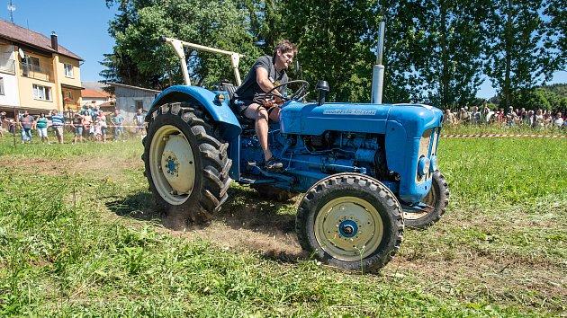 Traktoriáda v Bernarticích