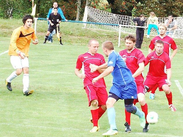 Fotbal: Ve druhém kole 1. A třídy se utkaly dva týmy z Tachovska, Chodský Újezd vyhrál 3:1.
