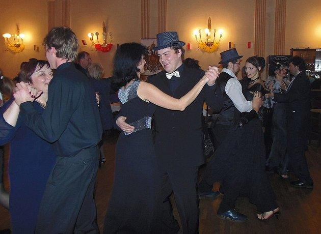 Ostrostřelecký ples se konal o víkendu ve Stříbře.