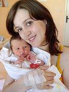 Kateřině Šulanové a Janu Chvátalovi z Boru u Tachova se 29. dubna v 19.31 hod. narodila v Mulačově nemocnici prvorozená dcera Adélka (3,00 kg/49 cm), která je také prvním vnoučetem prarodičů Olinky, Věrušky, Honzy a Zdeňka.