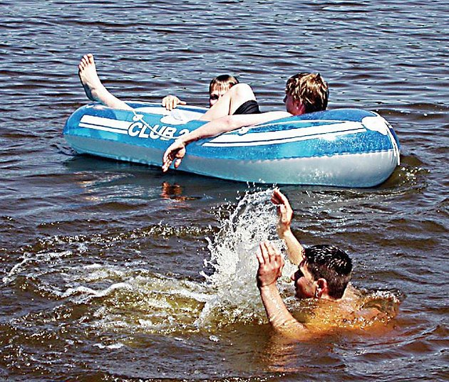 Vzhledem k pracovnímu vytížení si řada starostů může o letních radovánkách nechat jenom zdát.