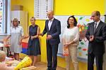Hejtman Plzeňského kraje Josef Bernard přivítal v Plané 63  nových prvňáčků.