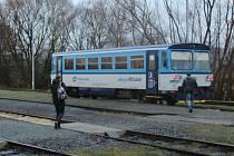 Poslední vlak do Svojšína.