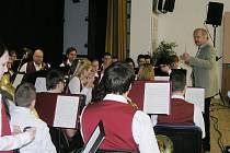 Dechový orchestr při krajském kole soutěže.