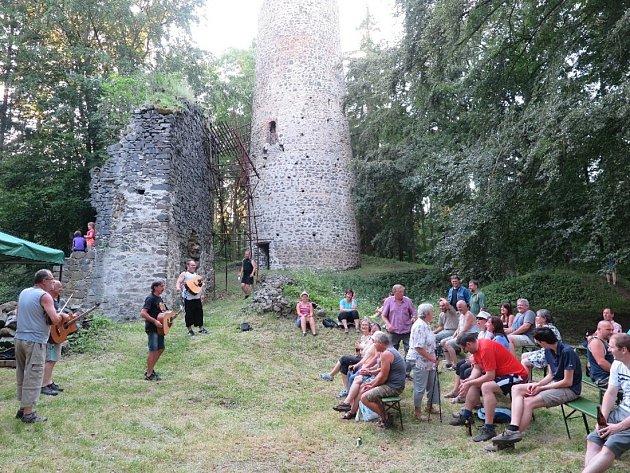 Na hradě zpívali s Wyjou