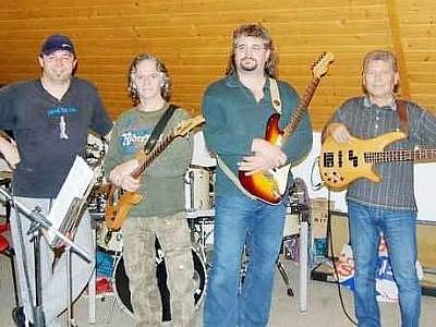 Tachovský Mammatocumulus je historií mladá, ovšem zkušenostmi velmi zralá kapela.