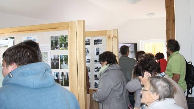 První akcí v nové klubovně byla výstava historických fotografií.
