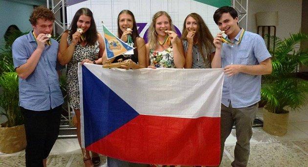 Studenti stříbrského gymnázia při své návštěvě Brazílie.