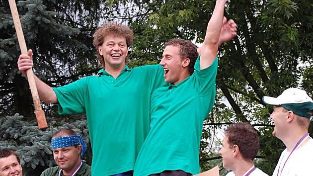 Stanislav Hausner a Vladimír Komárek jsou mistři Evropy v koulení sudů.
