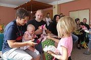 Pro tři rodiny bylo sobotní dopoledne ve Studánce slavnostní.