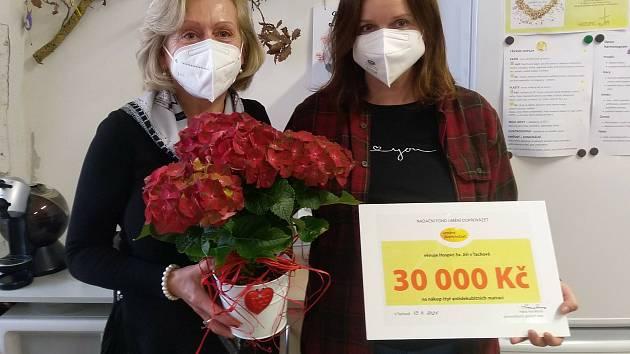 Tachovský hospic obdržel finanční dar ve výši 30 tisíc korun.