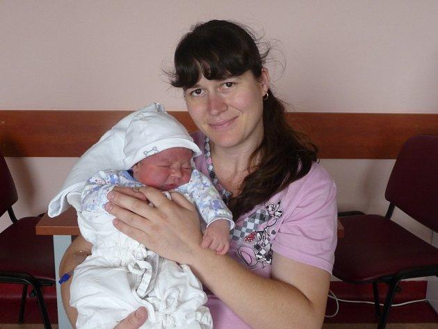 Miroslav (4,78 kg, 53 cm) se narodil 30. 7. v 19:30 ve FN v Plzni. Na světě jej přivítali rodiče Martina a Miroslav Kohoutovi z Chodové Plané a také sestřičky Veronika (10) a Martinka (6).