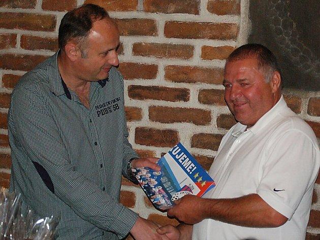 V Chodové Plané se v restauraci Ve Skále konalo vyhodnocení sázkařské soutěže.