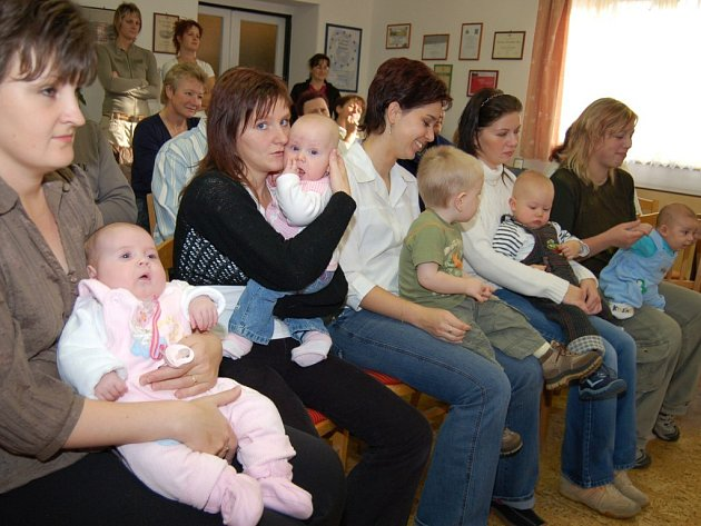 Svojšín se těší z rostoucího počtu dětí