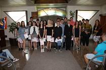 Deváťáci z Kladrub se rozloučili se školou