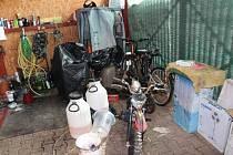 Předměty používané při výrobě pervitinu, které zajistila policie.