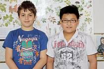 Čtvrťáci Daniel Zemko a David Bui nezaváhali a v největších únorových mrazech zachránili z vody rybníka v Plané topícího se chlapce. Teď jsou hrdiny školy i města.