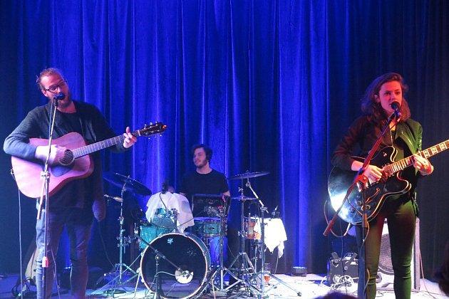 V prostorách Besedy ve Stříbře vystoupila kapela Teepee.
