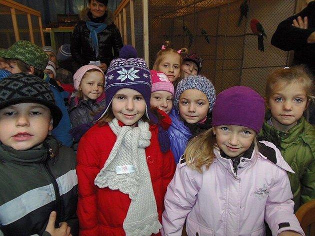 VÝSTAVU exotů navštívily také děti.