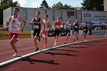Jakub Davidík (čtvrtý zleva) ve finále běhu na 800 metrů.