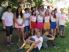 Žáci devátých tříd Základní školy Gagarinova se rozloučili školní akademií.