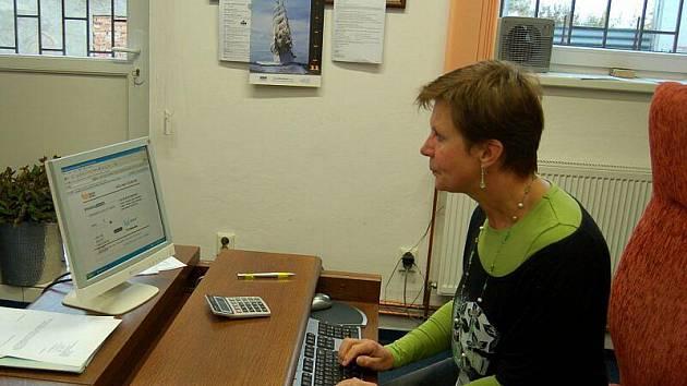 Miluše Rožmberská z tachovské společnosti ukazuje již aktivovanou datovou schránku.