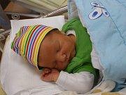 Šimon (4,42 kg, 53 cm) se narodil 11. listopadu v 8:53 ve FN v Plzni. Na světě ho přivítali maminka Renáta Peterová a tatínek Martin Jára z Chodové Plané. Doma se na brášku těší Štěpánek (3,5).
