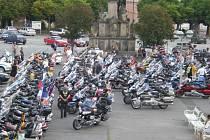 Náměstí ve Stříbře se stalo jednou ze zastávek spanilé jízdy motocyklů Honda Gold Wing