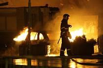 Tržnici ve Svaté Kateřině zachvátil rozsáhlý požár.