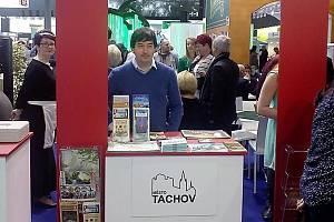 Stánek tachovské MKS na brněnském výstavišti lákal k návštěvě Tachova.