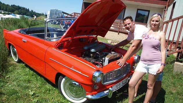 V butovském kempu se sešli příznivci sportovních vozů Škoda