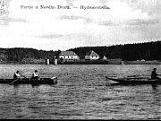 Fotografie z výstavby přehradní nádrže Lučina.