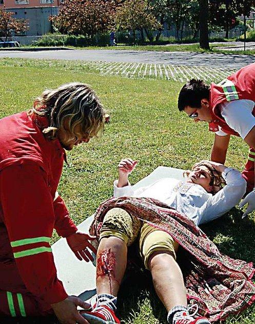 Vítězství si ze soutěže hlídek humanitárních jednotek Českého červeného kříže odvezli zdravotníci z Klatov (na snímku).