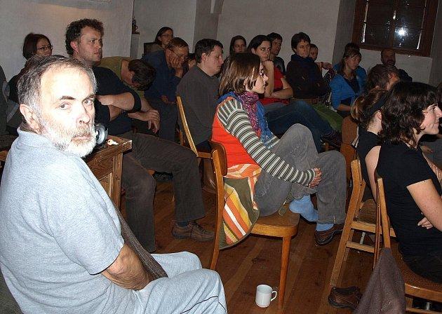 Přednášky na různé téma si přišlo poslechnout okolo čtyřicti lidí.
