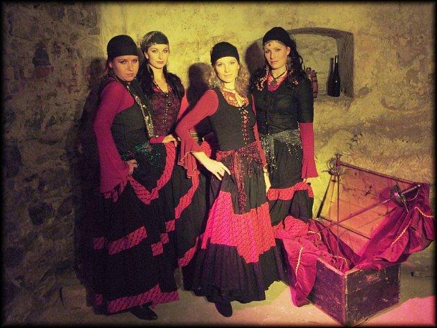 Sestava Mericie: Bára Svobodová, Kamila Pecherová, Růženka Mayerová  Galina Kortanová (zleva).