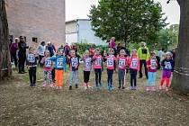V neděli 19. září se to v okolí kladrubské základní školy hemžilo běžci stejně jako mravenci v mraveništi. Konala se tu Kladrubská pětka.