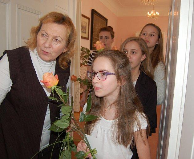 Recitační kroužek Vítalek vede Marie Klečatská