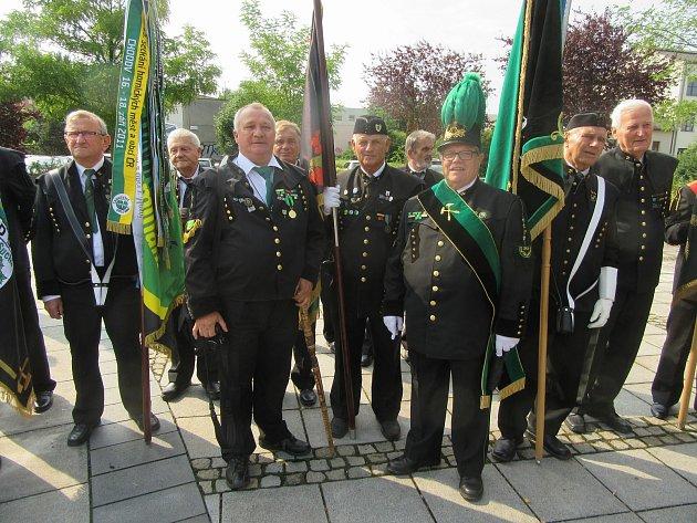 Členové stříbrského hornického spolku na oslavách v Karviné. Foto zaslal Karel Neuberger