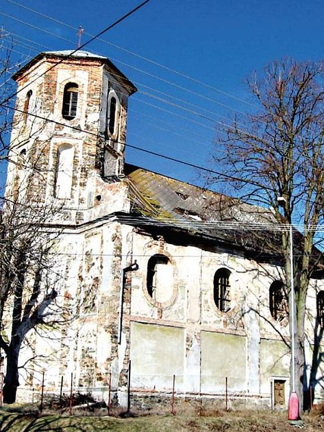 Podle zahraničních turistů kazí neutěšený vzhled církevních památek celkový dojem regionu. Jako třeba ten v Záchlumí.