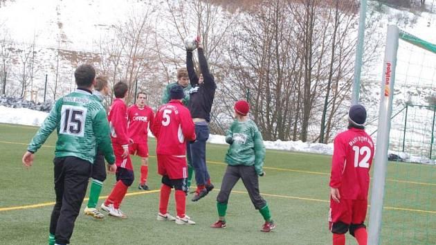Fotbal: Sp. Dl. Újezd - S. Drmoul 4:2 (2:0)