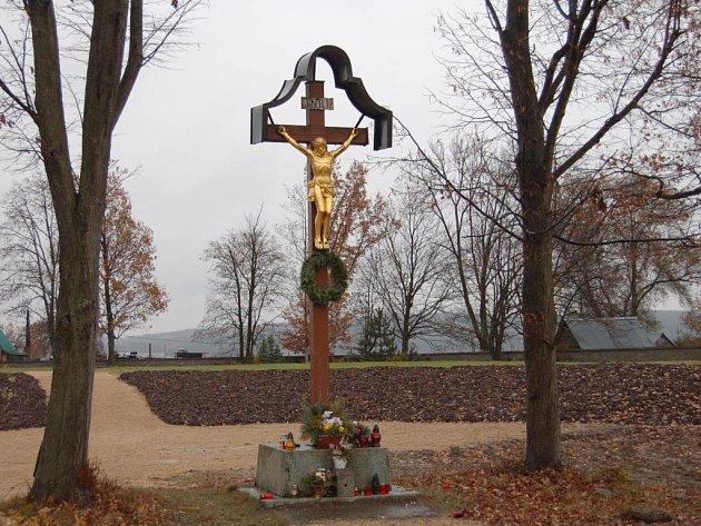 Hřbitov v Boru