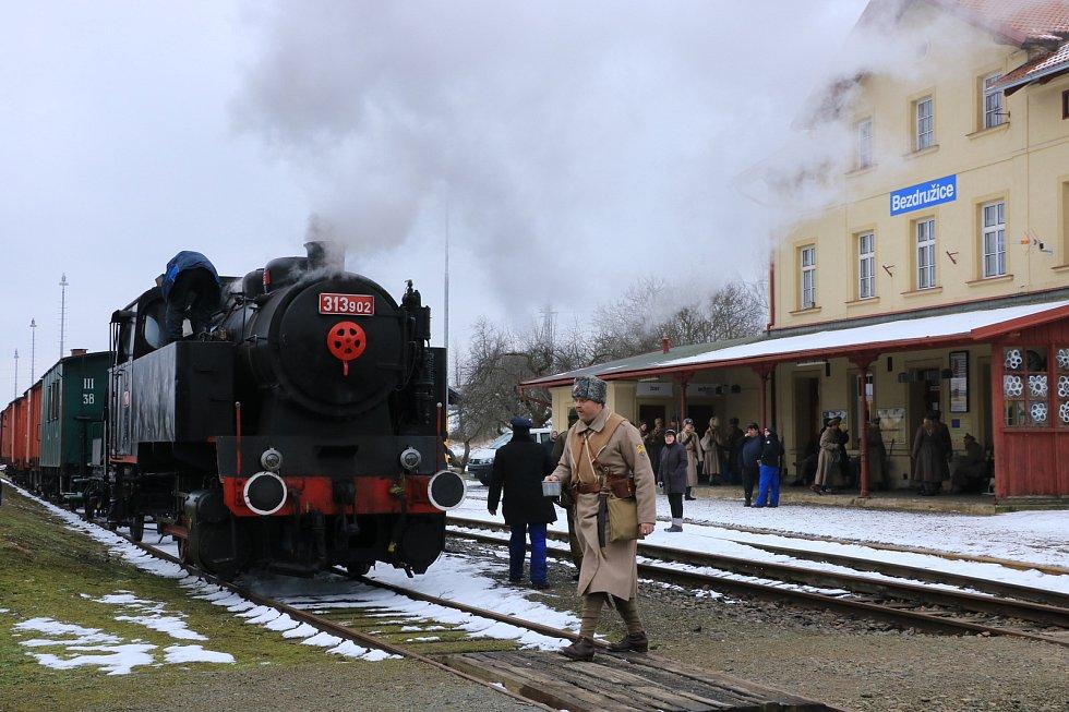Lokálka se o víkendu proměnila v Transsibiřskou magistrálu.