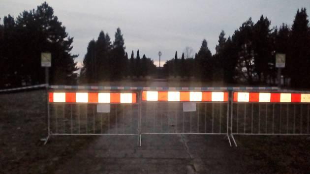 Mohyla v Tachově je uzavřena.