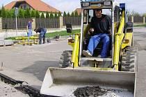 V Sytně bude nová silnice do obytné zóny.