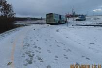 Z nehody autobusu u Malovic.