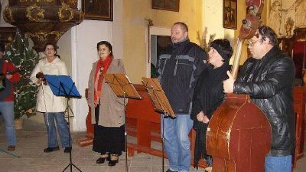Poprvé zpívali v kostele v Erpužicích.