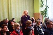 Ministryně školství mládeže a tělovýchovy Kateřina Valachová se také zúčastnila veřejné debaty s občany okresního města. Veřejnost zajímaly například platy uklizeček a kuchařek ve školách a školkách, či ministerské dotace. Dostalo se také na téma osudu sp