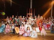 Princezny a rytíři přijeli na ples do borského zámku