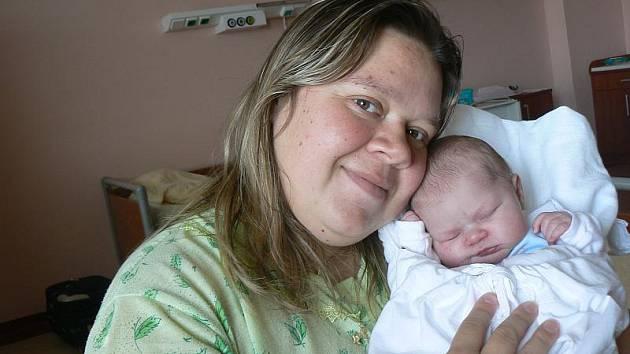 Kateřina (3,46 kg, 52 cm), která přišla na svět 18. září ve 13.26 hod. ve FN v Plzni, je prvorozená dcera Andrey Kožnarové a Romana Jarabici ze Stříbra.