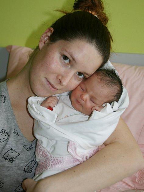 Adéla Štempecová (46 cm, 2600 g ) se narodila 20. března ve 13:05 v Mulačově nemocnici rodičům Kláře a Petrovi Stempecovým ze Stříbra. Doma se na Adélku těší tříletý bráška Petřík.